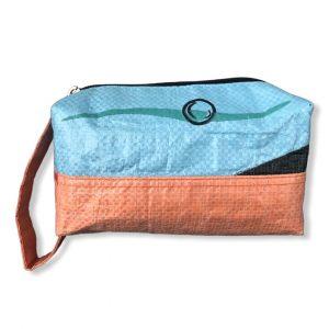 Kosmetiktasche aus recycelten Reissack in hellblau orange | Beadbags