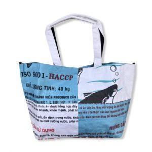 3 in 1 Tragetasche aus recycelten Reissack in weiß hellblau | Beadbags