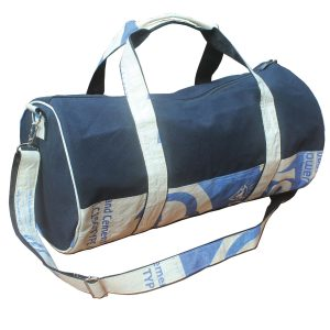 Upycycling Beadbags nachhaltige Tragetasche aus recyceltem Zementsackmaterial gefertigt in Kambodscha 2b