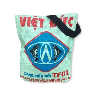 Einkaufstasche mit Schultergurt aus recycelten Reissack in mint | Beadbags