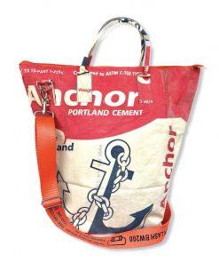 Beadbags Universaltasche _ Wäschesack aus recycelten Zementsack mit Tampenjangurt Rot Anker vorne