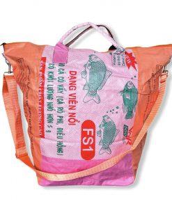Beadbags Universaltasche _ Wäschesack aus recycelten Reissack mit Tampenjangurt in orange rosa vorne