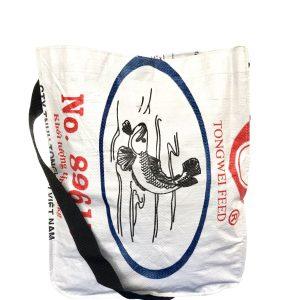 Upycycling Beadbags nachhaltige Tragetasche aus recyceltem Reissackmaterial gefertigt in Kambodscha 20