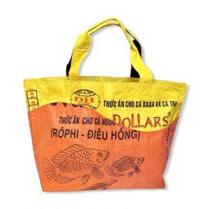 Tragetasche aus recycelten Reissack von Beadbags in gelb | Beadbags
