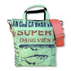 Beadbags Tragetasche aus recycelten Reissack mit Tampenjan Hochseegurt Ri2 vorne hellgrün