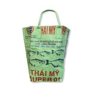 Wäschesack aus recycelten Reissack in hellgrün von vorne