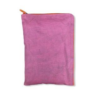 Beadbags Laptophülle 15 Zoll aus reused Moskitonetz NET25 Rosa Vorne
