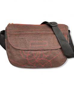 Beadbags Schultertasche aus reused Moskitonetz Braun vorne