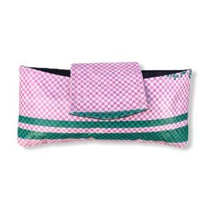 Innovatives Brillenetui aus recycelten Reissack in rosa | Beadbags
