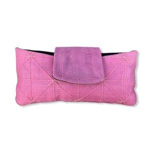Innovatives Brillenetui aus reused Mosktionetz in pink | Beadbags