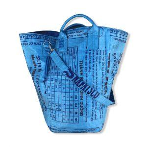 Wäschesack mit Tragegurt aus recycelten Reissack in blau   Beadbags