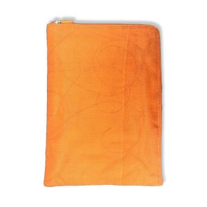 Laptophülle 15 Zoll aus reused Moskitonetz in orange   Beadbags