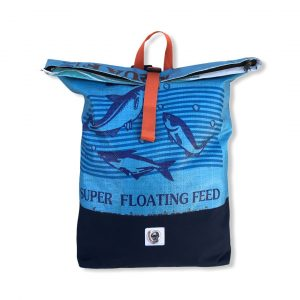 Life Backpack Rucksack aus recycelten Reissack in mittelblau   Beadbags