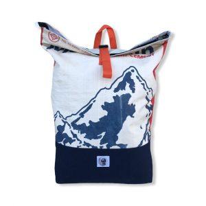 Life Backpack Rucksack Mountain aus recycelten Zementsack in rot | Beadbags