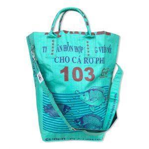 Strandtasche / Multifunktionstasche mit Tragegurt aus recycelten Reissack in mittelgrün | Beadbags