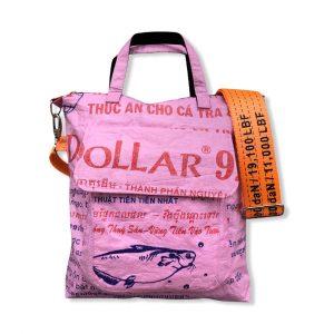 Tragetasche aus recycelten Reissack mit Schultergurt aus recycelten Spanngurt in rosa mit orange | Beadbags