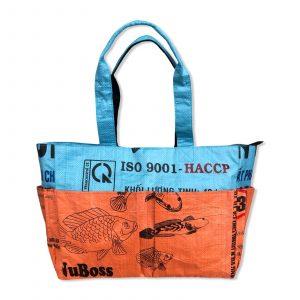 Tragetasche aus recycelten Reissack von Beadbags in orange blau   Beadbags